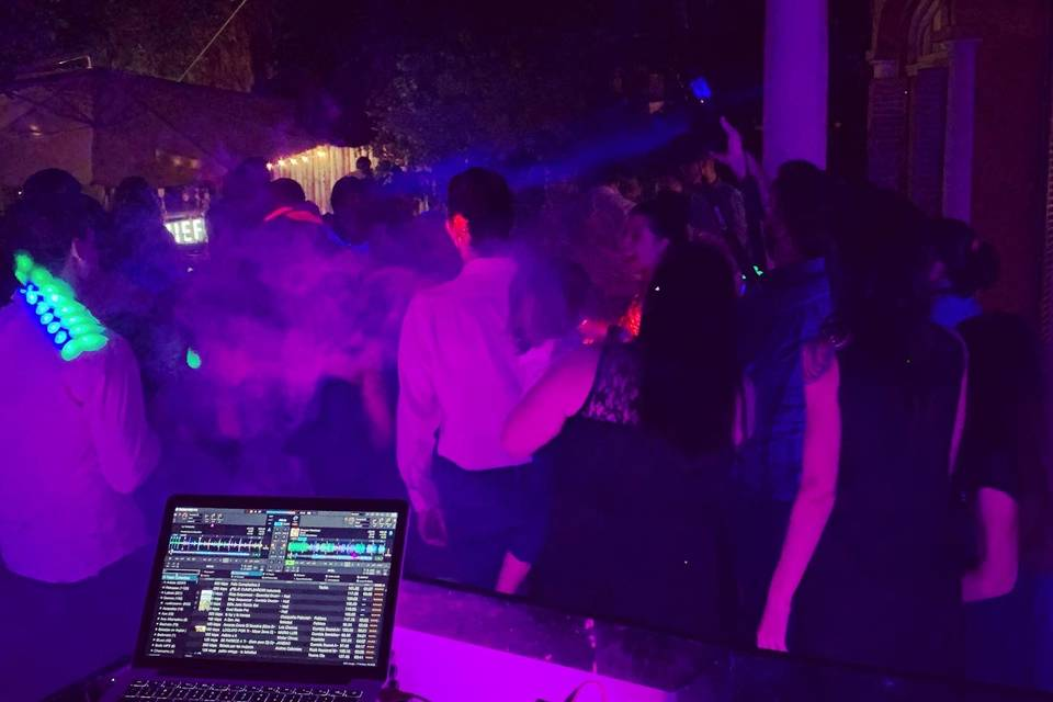 DJ Hat! 3