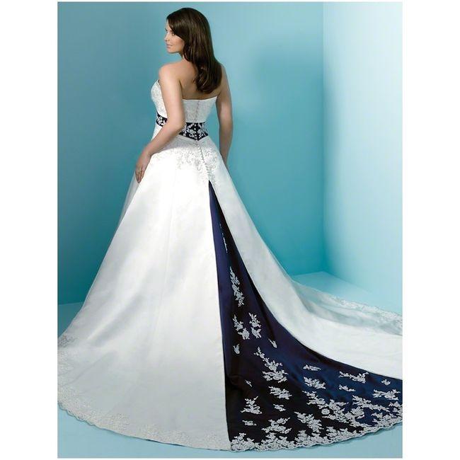 novias con detalles y vestidos en azul