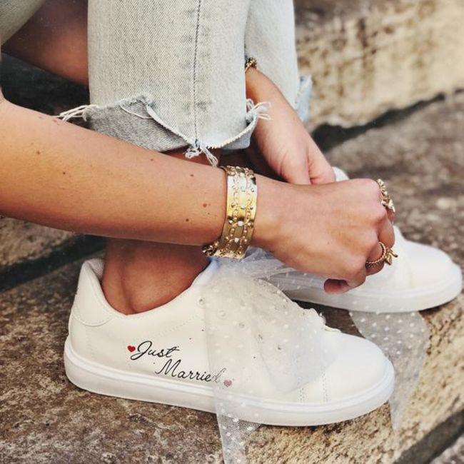 Zapatillas o sandalias para después de 12? 11
