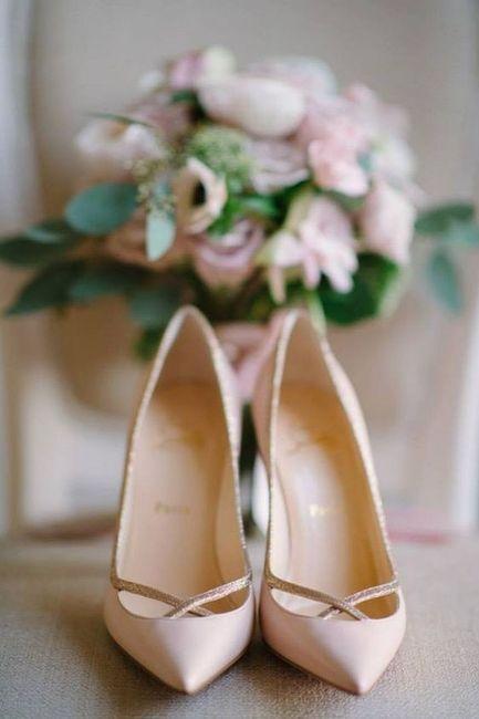 a08b0adf Cómo combinar tu zapato de novia de color?