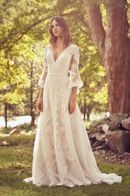 Si tuvieras que elegir un vestido de esta vidriera: ¿Cuál te llevas?🤩😉 - 2