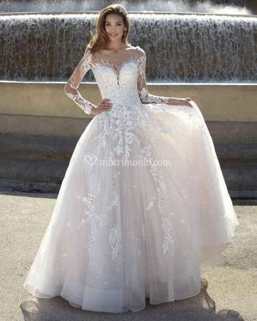 Si tuvieras que elegir un vestido de esta vidriera: ¿Cuál te llevas?🤩😉 - 3