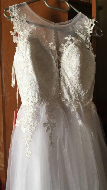 Mi vestido lo voy a comprar en _________ 2