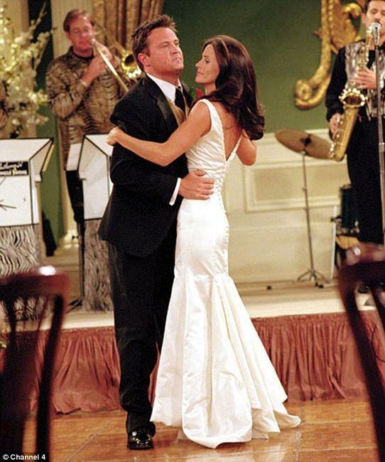 boda en serie chandler amp monica