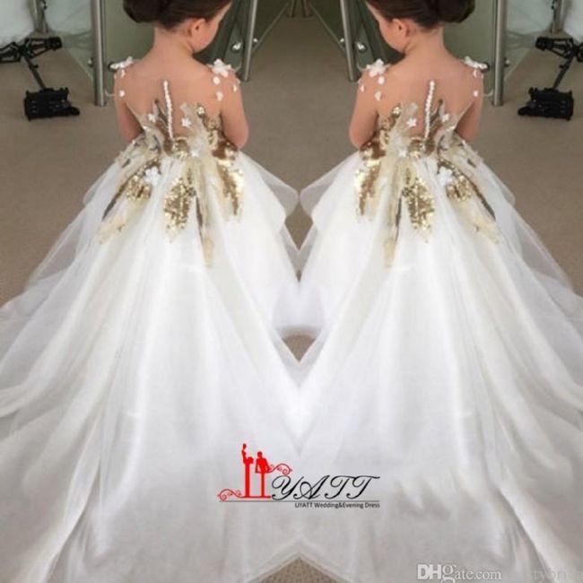 268eaf195 Modernos vestidos para pajecitas 5