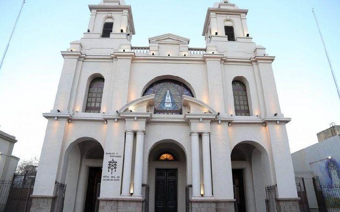 """Ya tenemos iglesia. """"basílica de Luján de Cuyo"""" 3"""