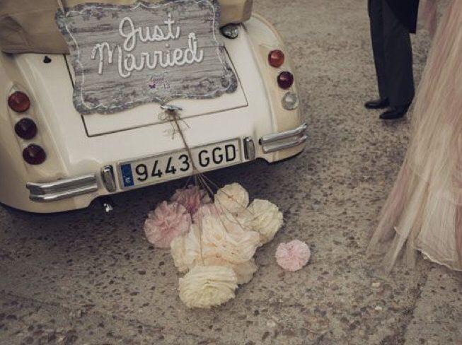 Ideas para decorar el auto el día de la boda 26