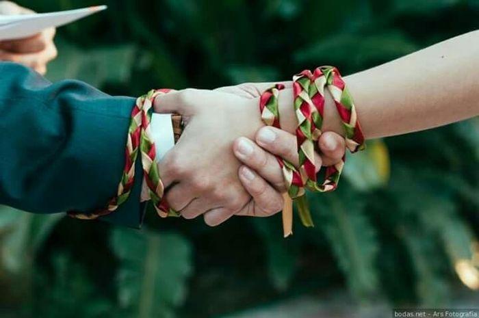 Ceremonia manos atadas... - 2