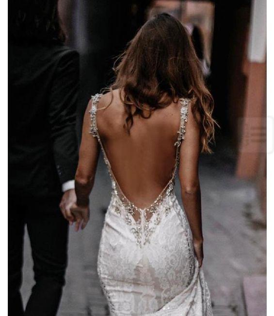 Me gustaría llevar un vestido _____ 2