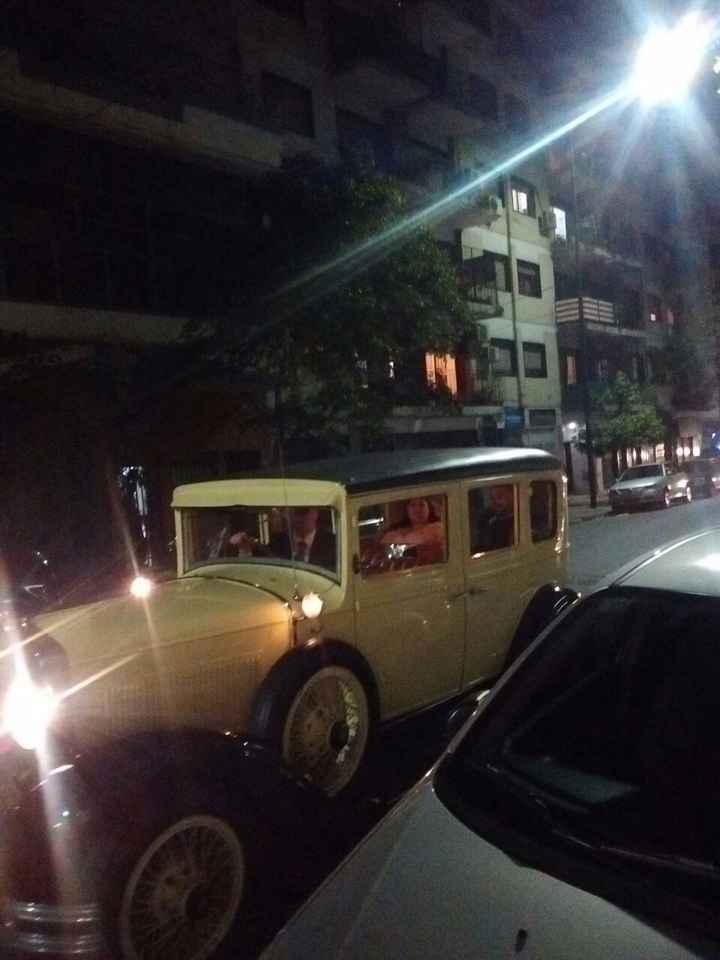 El auto que me llevo a la Iglesia y luego al Salón, era de 1930