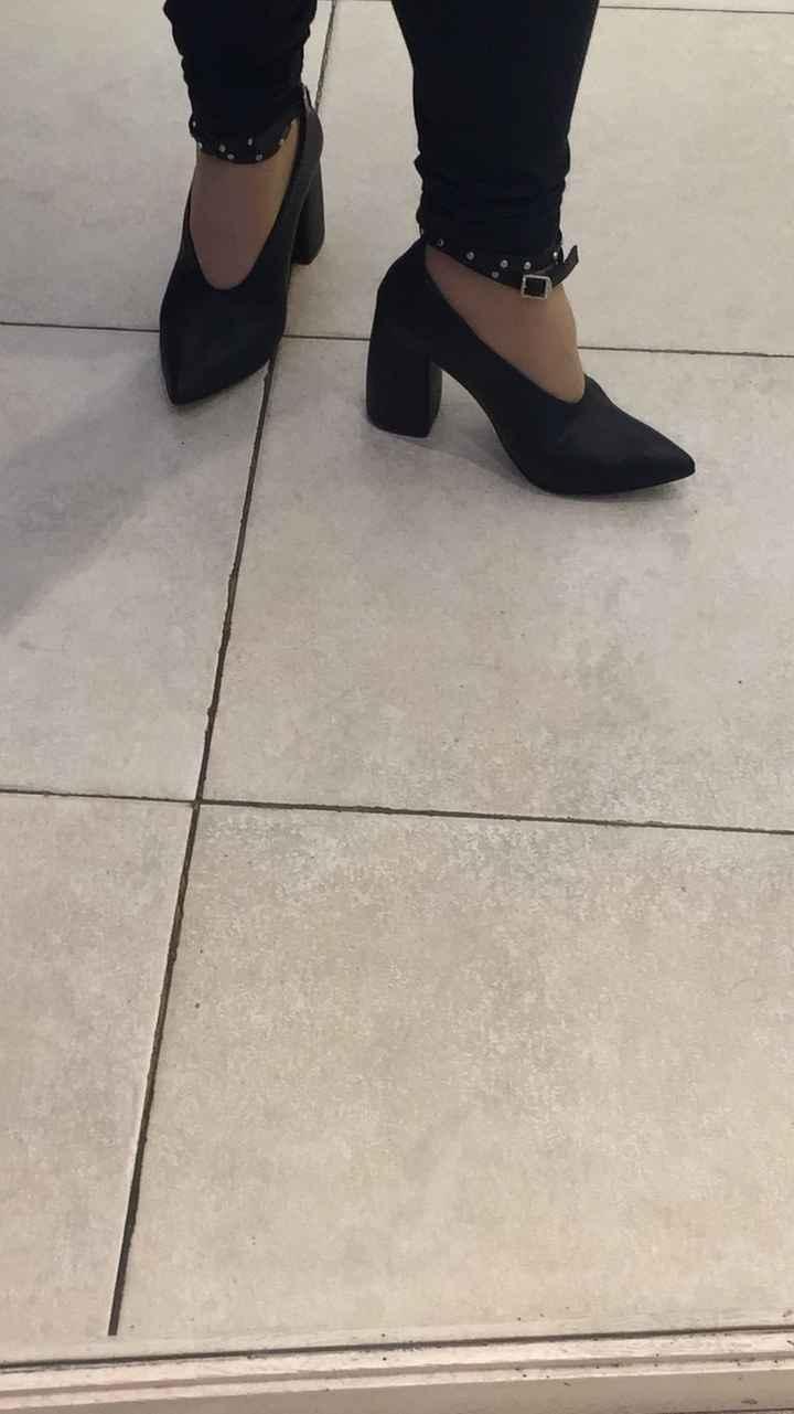 2 x 1 o 45 % de descuento en zapatos - 1