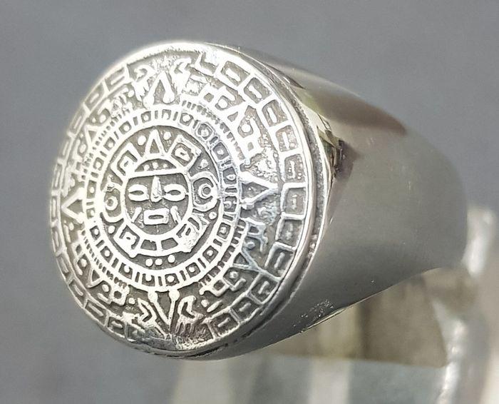 El significado de cada tipo de anillos. 23