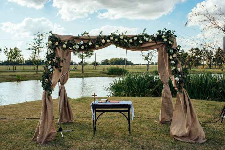 Altar de la ceremonia (falta el florero)