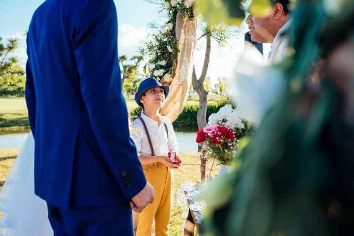 El florero del altar (y el bombón de mi sobrino)