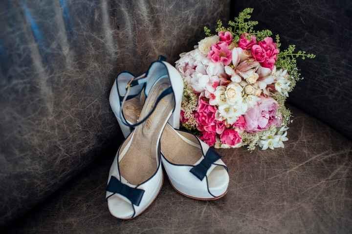 Zapatos y ramo 2
