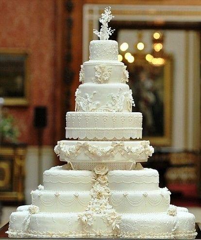 Torta de casamiento con muchos pisos  ¿Dá  o no Dá  👍👎? 1