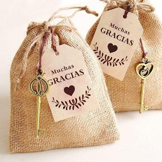 Por familia o por invitado: Cómo entregarás los souvenirs? 1