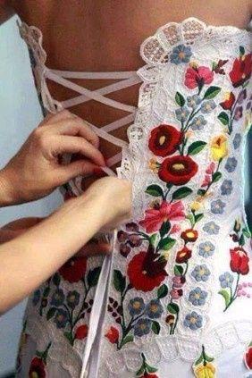 Vestidos de novia fiesta mexicana