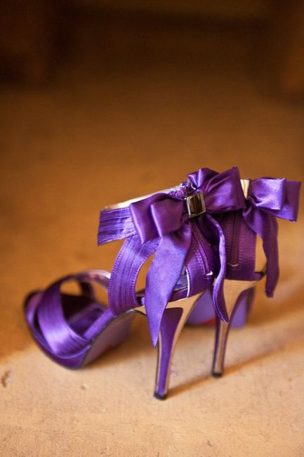 ¿Y si nos animamos a este color de Zapatos? 💜 4