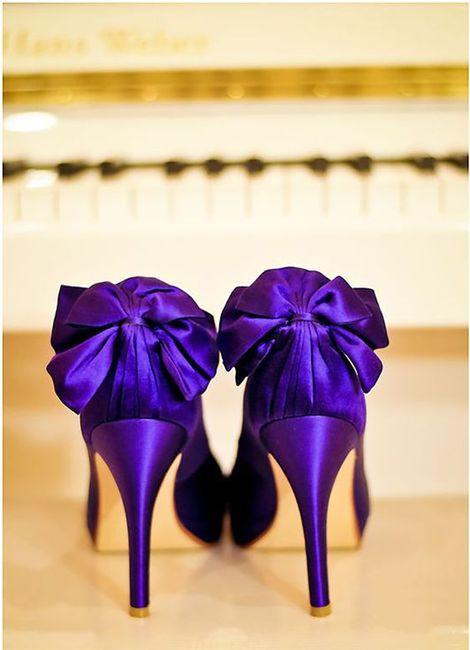 ¿Y si nos animamos a este color de Zapatos? 💜 13