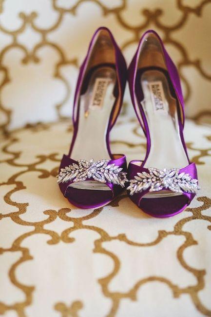 ¿Y si nos animamos a este color de Zapatos? 💜 14