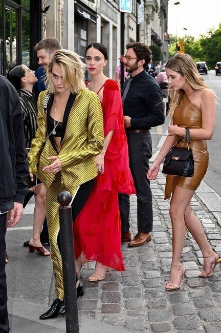 ¡Zoe Kravitz y Karl Glusman en una mansión de París! 2