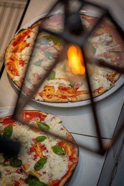 Pizzas cortesia de Cosi Mi Piace