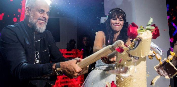 Torta de casamiento de Jorge Rial y Romina Pereiro. Algo diferente! Elegirías este tipo de torta? 3