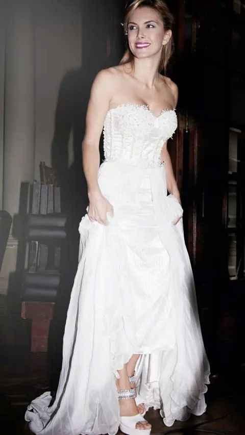 La primer foto en la eleccion de tu vestido de novias!!!!! (fotos chicas) - 1