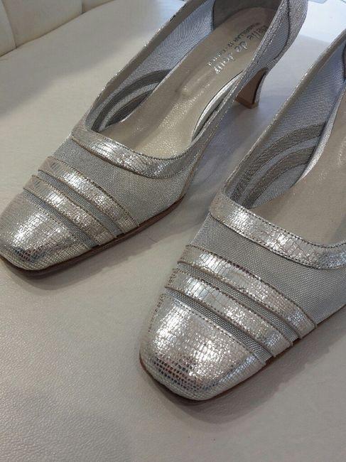 Zapatos brillantes con un toque de glamour - 1