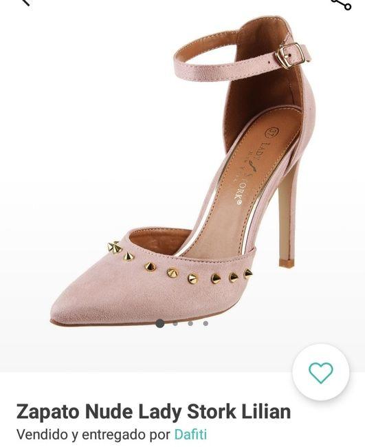 Zapatos y sobre civil 1