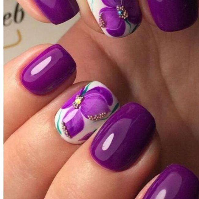 ¡Manicure violeta! 💜 1