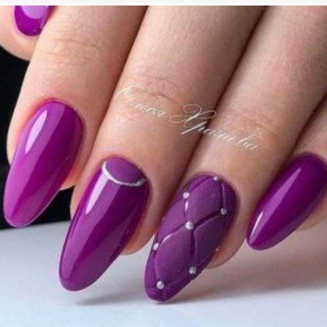 ¡Manicure violeta! 💜 3