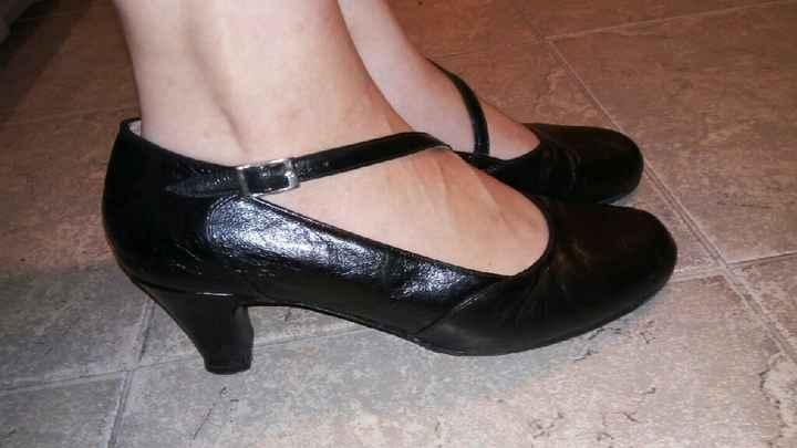 Zapatos o zapatillas decoradas - 1