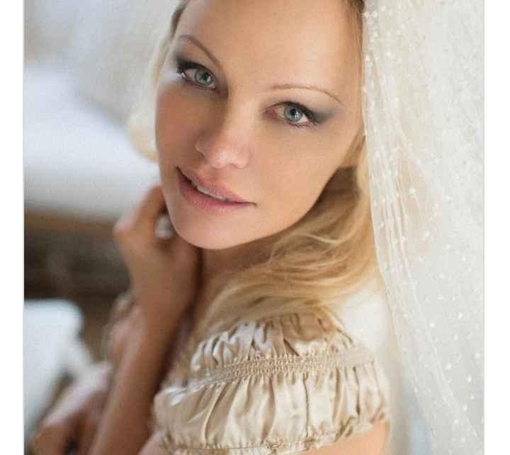 Pamela Anderson se casó con su guardaespaldas - 3