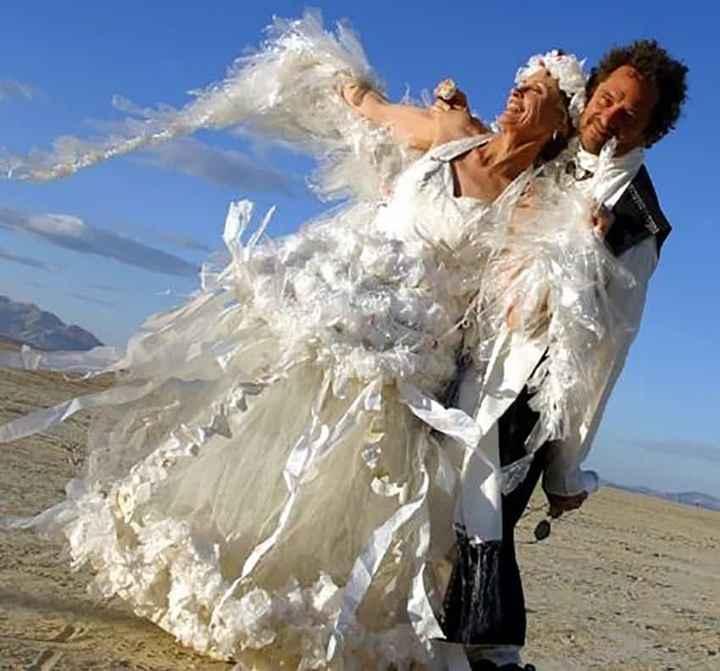 Perlita de viernes: vestidos de novia que dejaron a los invitados con la boca abierta :o - 3