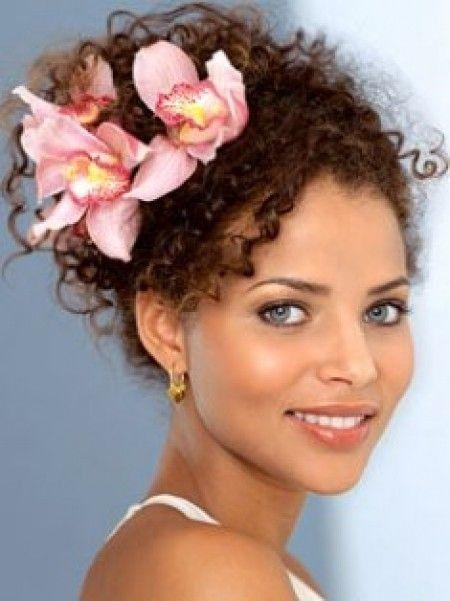 Originales Peinados Para Novias Con Pelo Muy Rizado - Peinados-de-novia-originales
