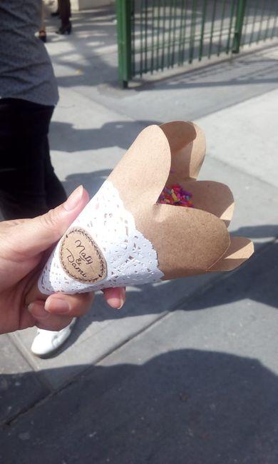 ¿Vas a entregar confetti para la salida del civil? 2