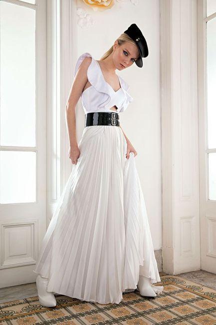 10 vestidos de novia con falda plisada 1