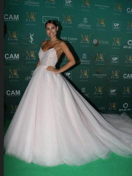 El impactante vestido de Pampita en la entrega de premios Martín Fierro a la Moda 2019 2