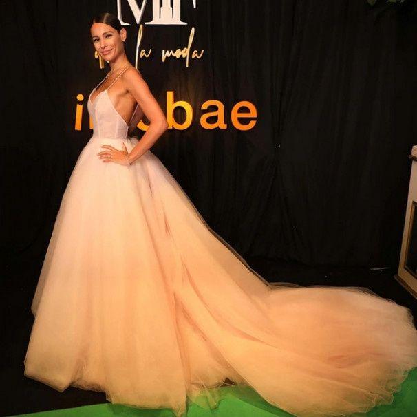 El impactante vestido de Pampita en la entrega de premios Martín Fierro a la Moda 2019 3