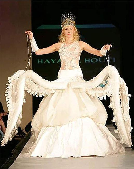 Perlita de viernes: vestidos de novia que dejaron a los invitados con la boca abierta :o 5