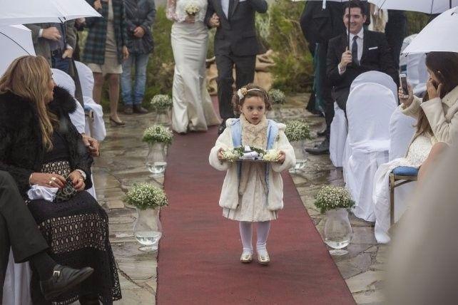 La hijita de ambos llevó los anillos
