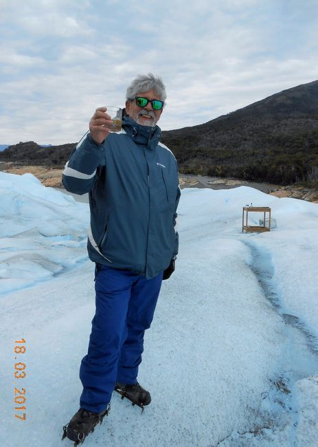 Un whisky en el Perito Moreno