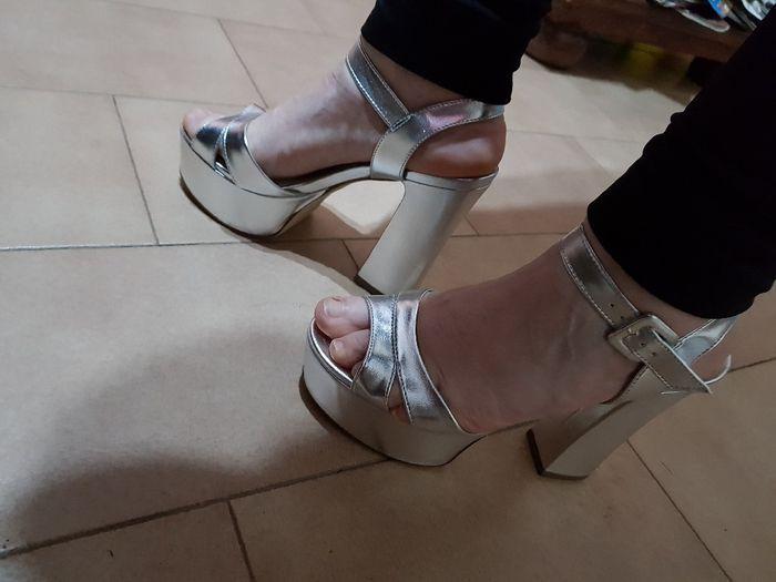 Conseguí sandalias....peroooo 3