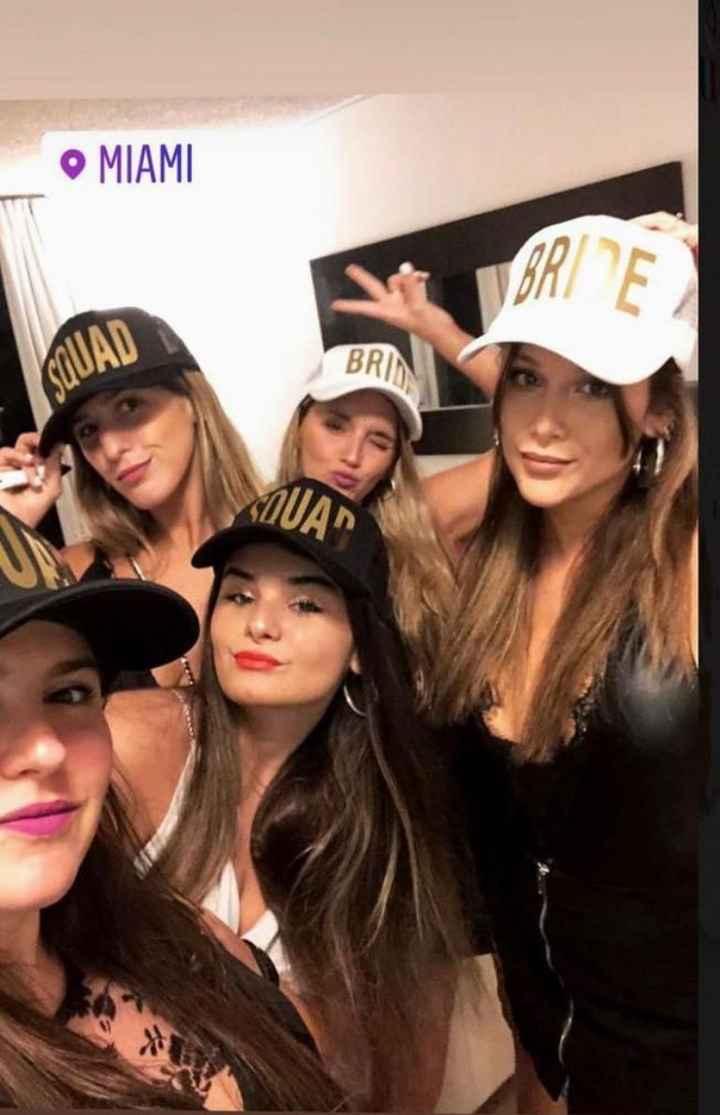 Barbie Vélez no frena su casamiento y así fue su despedida de soltera en Miami 🎉 - 1