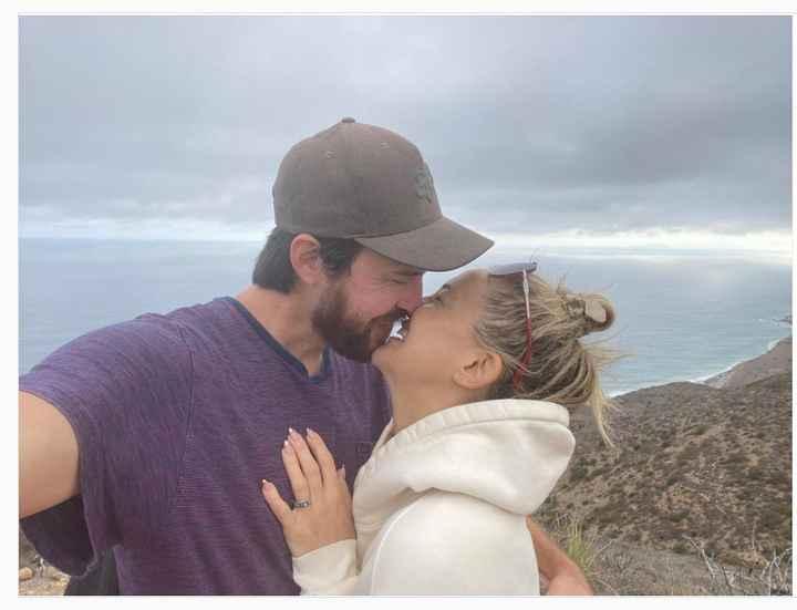Kate Hudson anunció su compromiso con Danny Fujikawa 💞 - 1