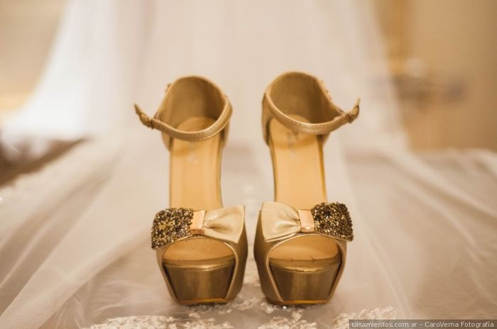 ¿Detalles dorados en tu look de novia? 2