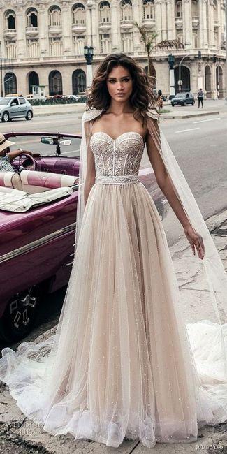 ¿Te animás a usar algunos de estos 6 vestidos con corset y tasas? 3