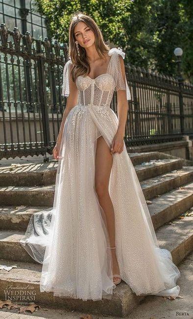 ¿Te animás a usar algunos de estos 6 vestidos con corset y tasas? 4